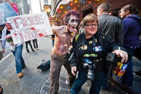 free_zombie_hugs