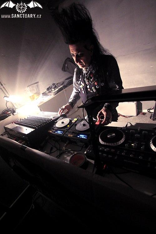 DJ De'Ath